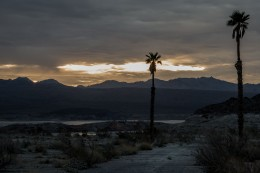 Sunrise over Lake Mead. Early start to try and find some proper food before the hunger becomes too much to handle. Echo Bay, Lake Mead, NV, USA